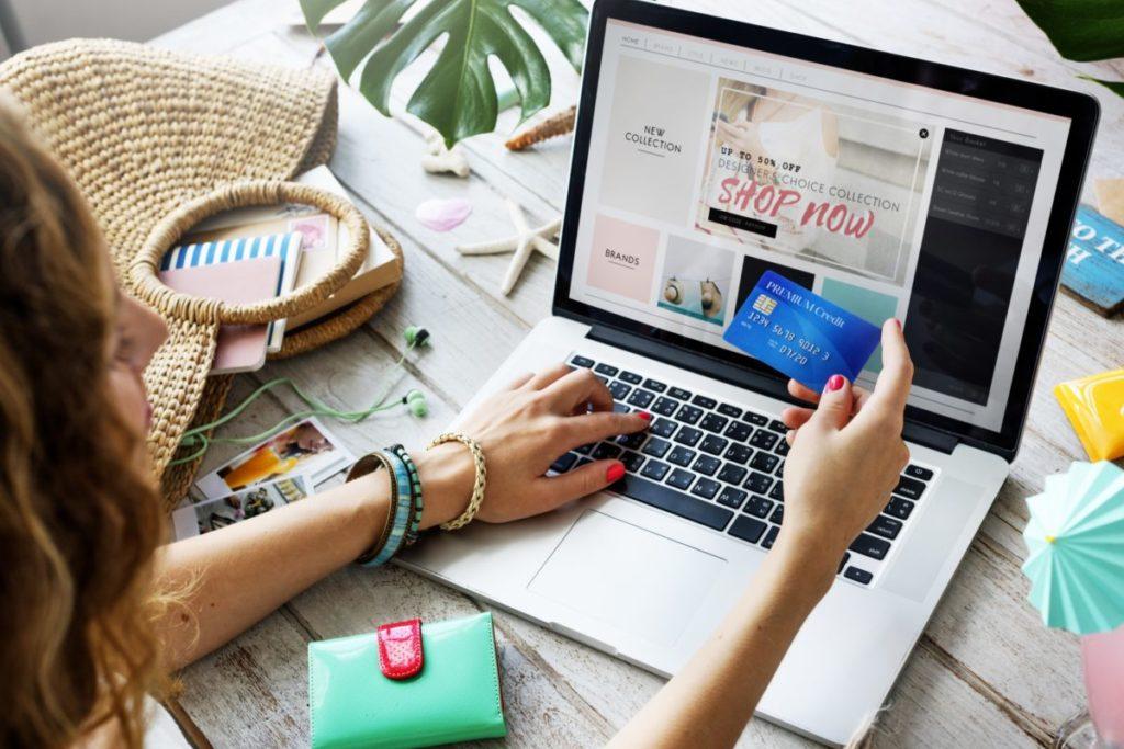 Comercio electrónico:                                                             impulsor de la economía