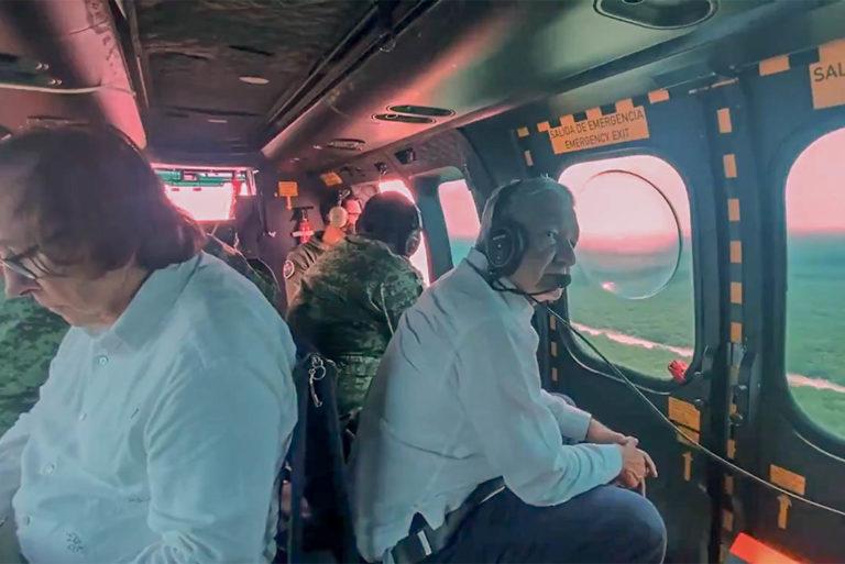 Andrés Manuel López Obrador sobrevoló obras del Tren Maya